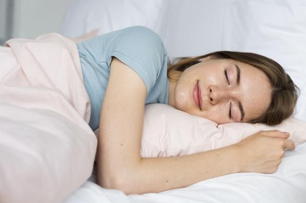 dormir sur lit a eau